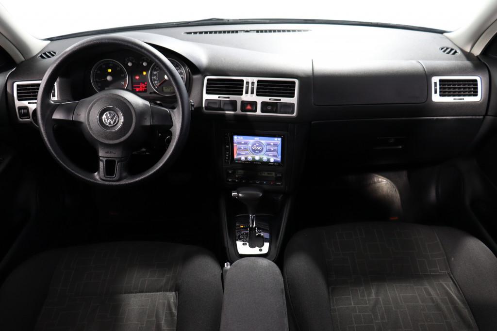 Imagem do veículo VOLKSWAGEN BORA 2.0 8V GASOLINA 4P AUTOMÁTICO