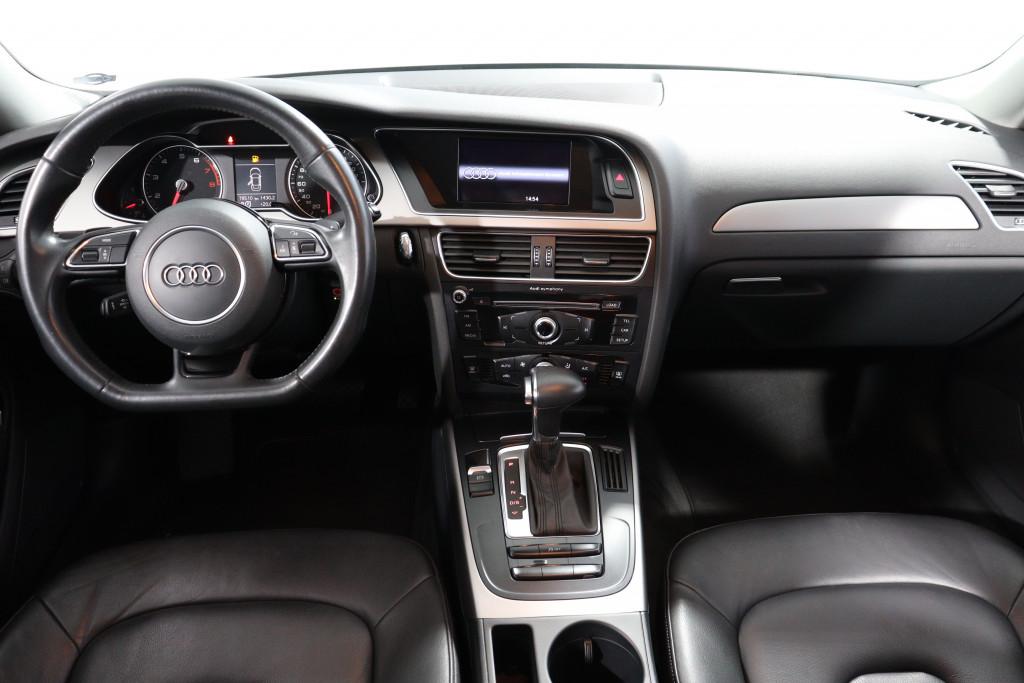 Imagem do veículo AUDI A4 1.8  GASOLINA 4P AUTOMÁTICO
