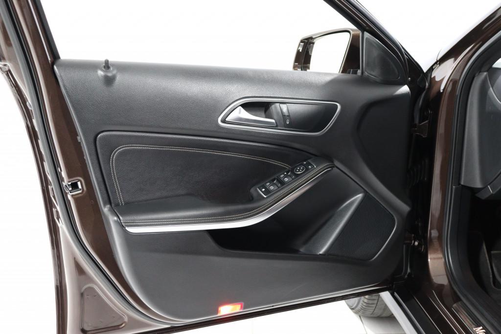 Imagem do veículo MERCEDES-BENZ GLA 200 1.6 CGI ADVANCE 16V TURBO FLEX 4P AUTOMÁTICO