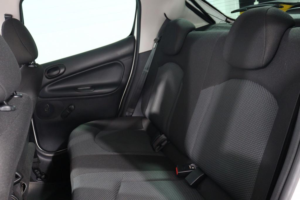 Imagem do veículo PEUGEOT 207 1.4 ACTIVE 8V FLEX 4P MANUAL