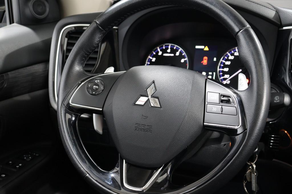 Imagem do veículo MITSUBISHI OUTLANDER 3.0 GT V6 24V GASOLINA 4P AUTOMÁTICO - 7 LUGARES
