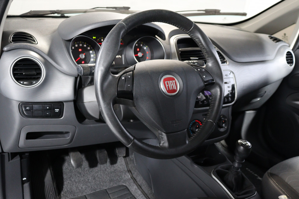 Imagem do veículo FIAT PUNTO 1.6 ESSENCE 16V FLEX 4P MANUAL
