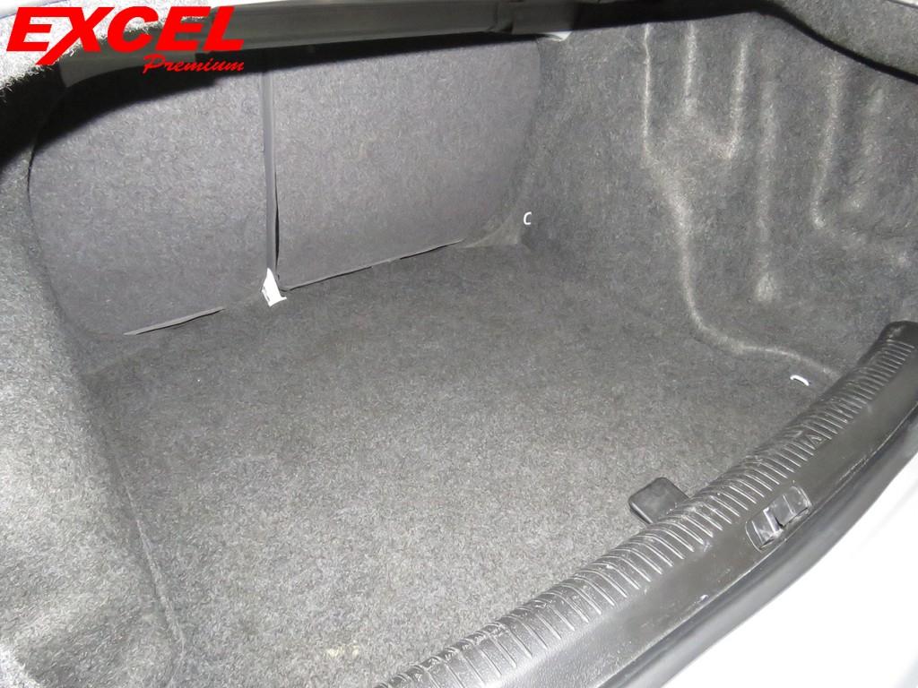 Imagem do veículo VOLKSWAGEN POLO 2.0 MI COMFORTLINE 8V GASOLINA 4P MANUAL